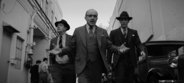MANK (2020)Gary Oldman as Herman Mankiewicz, Arliss Howard as Louis B. Mayer and Tom Pelphrey as Joe Mankiewicz.NETFLIX