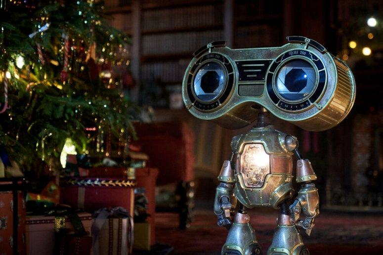 JINGLE JANGLE: A CHRISTMAS JOURNEY (2020) Buddy.  Cr. Gareth Gatrell/NETFLIX